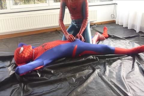 Spiderman Meets Spiderman