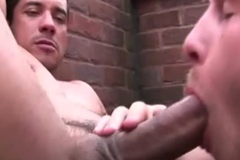 Hunky pumped up homo Giving blowjob job To sleazy lad