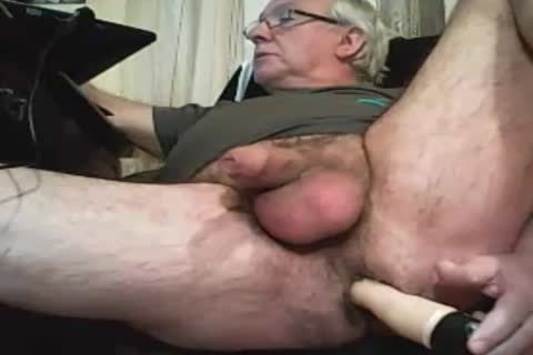 old man Play With A sex-toy And ball sex cream On web camera