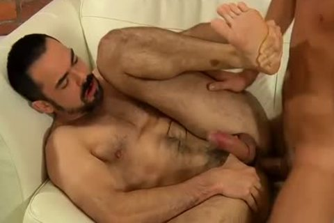 hairy large Daddys a-gap gap receives Hard bunch-sex By palatable twink
