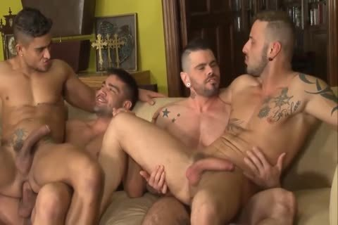 4 Way Muscle Hunks Bareflipfuck