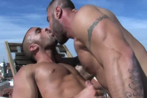 Alex And Damien bang Outside