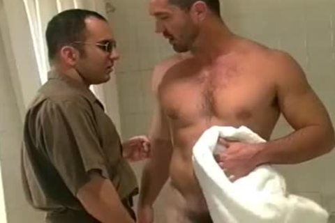Buff man acquires smutty After A Squeaky Clean Shower