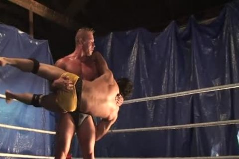 Wrestling horny Bulge (no bare)