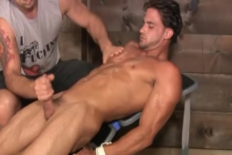 A Hunk Is Marturbate By A man