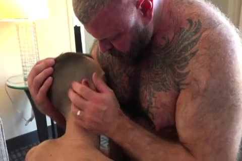 Daddy With stiff Suckable nipples poke A young chap