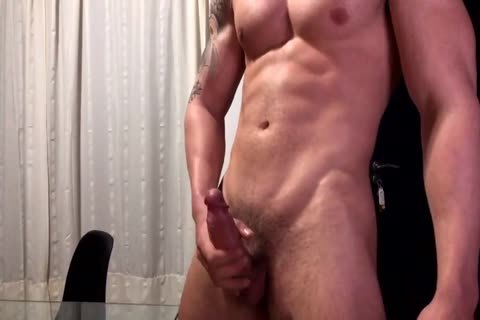 22yo Bodybuilder With A Quick cumshot On Table