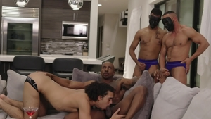 Noir Male: Real sex beside athletic american Max Konnor