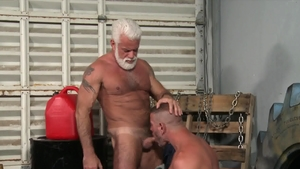 Men Over 30: Inked Jake Marshall bareback facial rimming