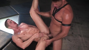 Hot House: Skyy Knox have fun with black cock stud