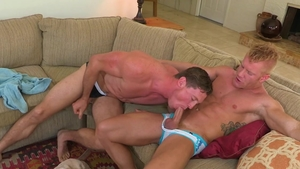 Hot House: Piercing Johnny V quick ass to mouth in the pool