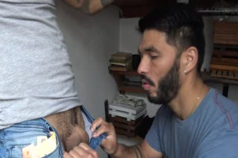 Latin Stranger acquires specie In Exchange To His Tattoed a-hole